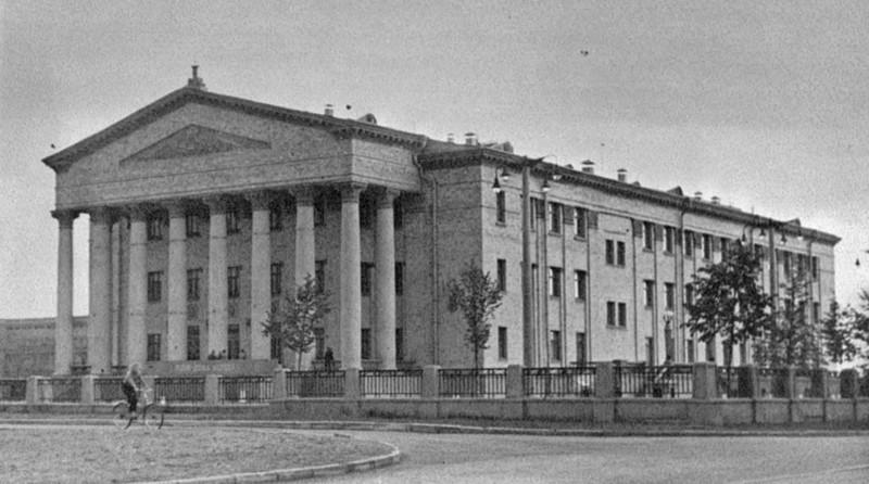 37.Дворец Культуры ЦАГИ. Фото начала 1960х. С сайта Дворца культуры
