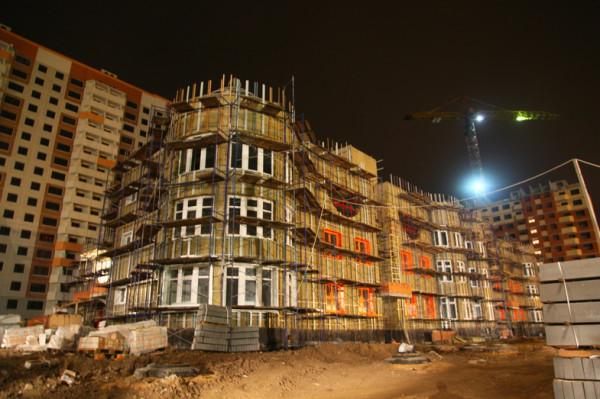 ночной взгляд на здание детского садика
