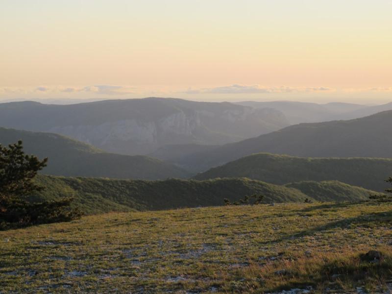 Верха Большого каньона, отроги Кизил-Кая, Коккоз-Бойка и скалы от Седам-Кая до Ялпах-Кая.