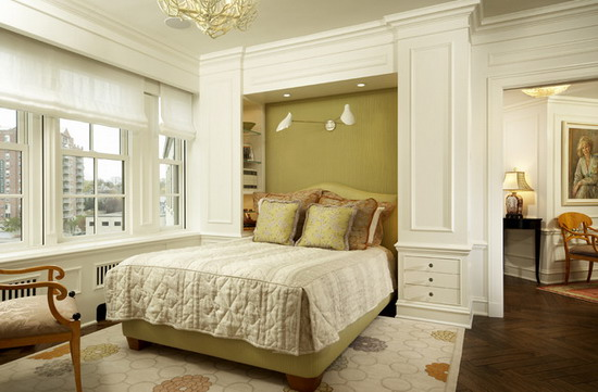 White-Curtains-in-Contemporary-Bedroom