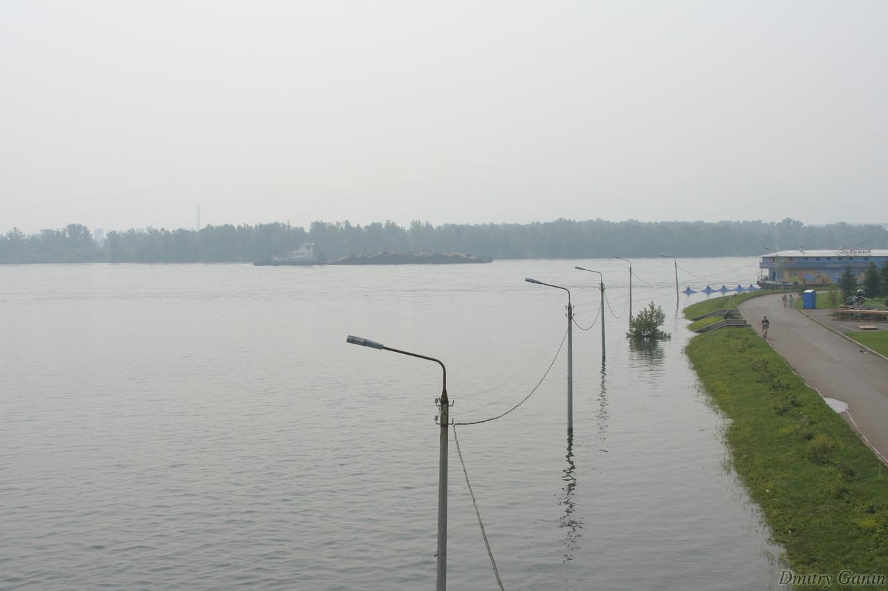 Набережная Енисея в Красноярске в 2006 году