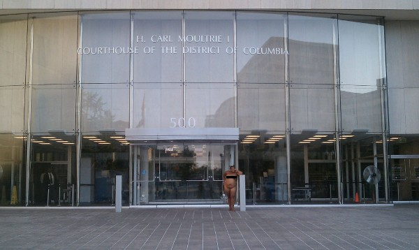 Naked-D.C.-Courthouse-600x358