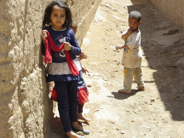 Детишки в Мерзуге