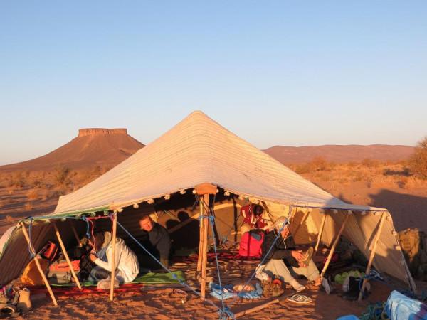 Лагерь у столовой горы