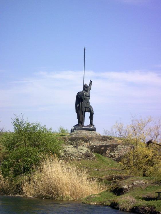 пам'ятник Росичу