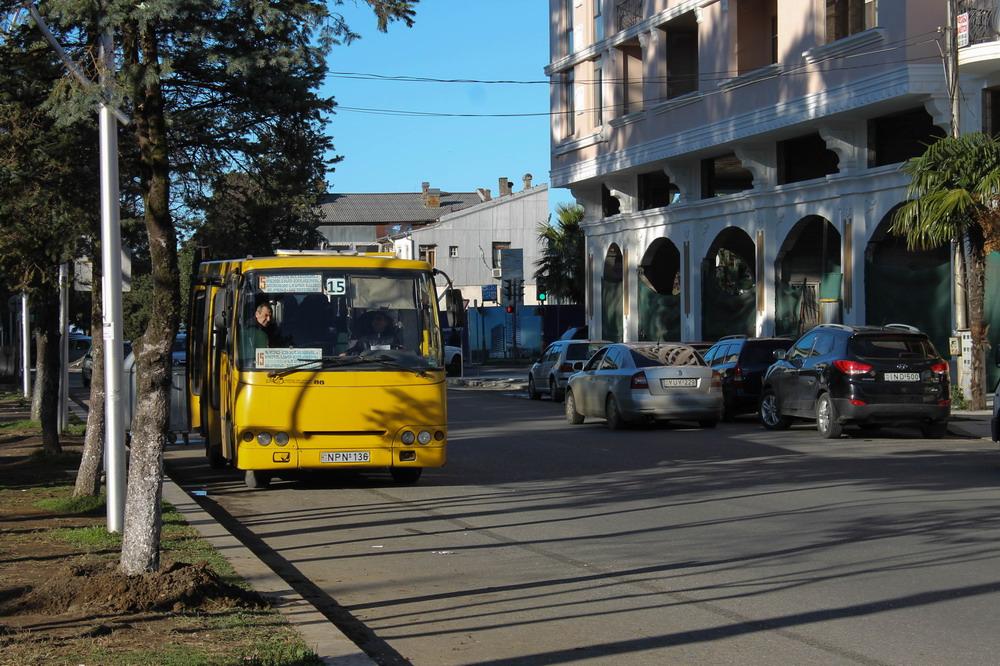 Автобус Богдан в Грузії