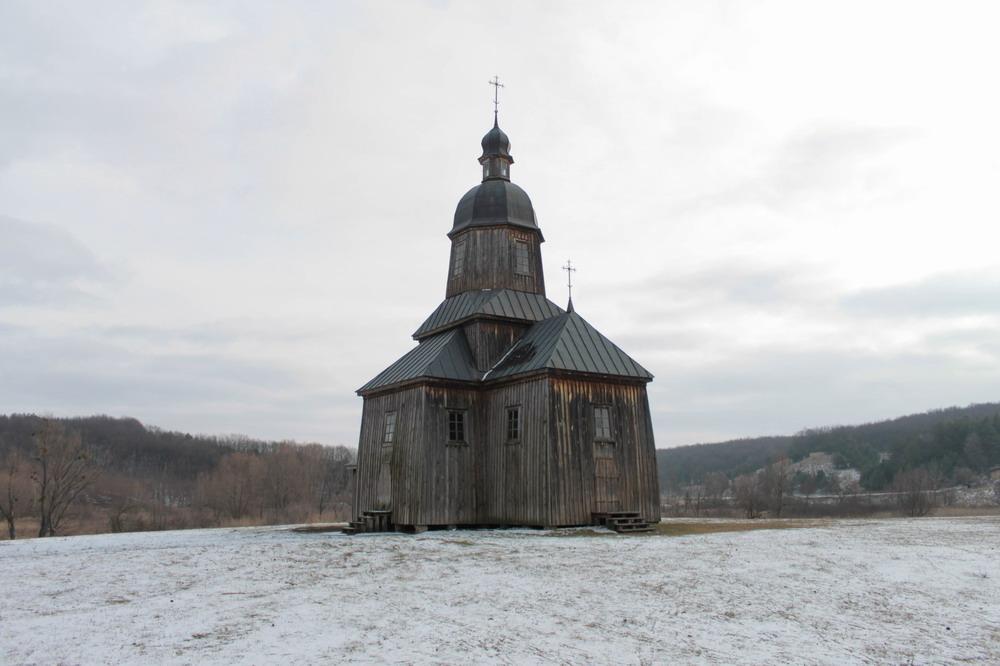 Деревяна церква в селі Стецівка