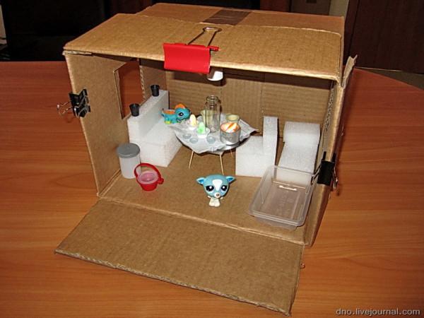 Как сделать домик для пет шоп своими руками видео