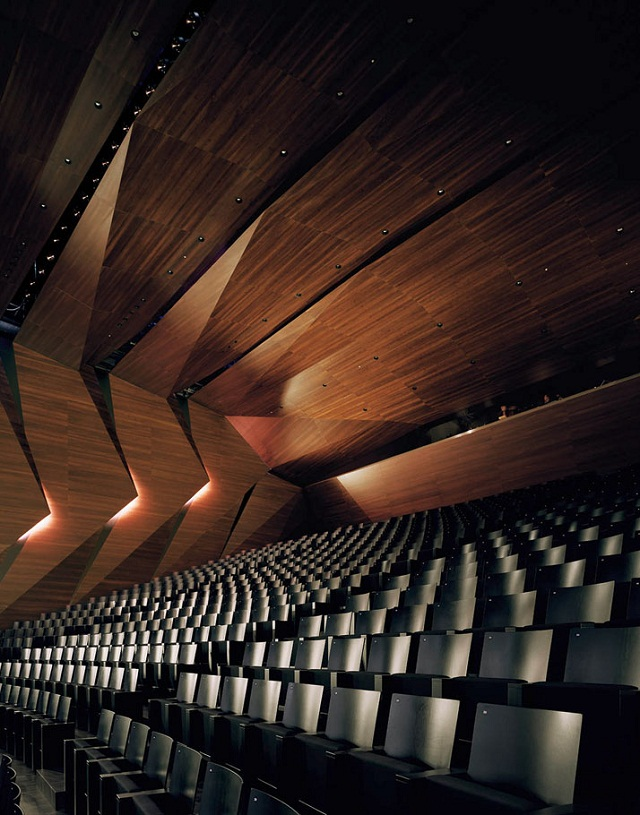 Festspielhaus-der-Tiroler-Festspiele-Erl-bei-DMAA-Architektur-und-Design-Wohn-DesignTrend-06