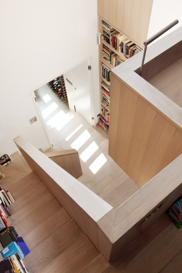 Book-Tower-House-12-1-Kindesign