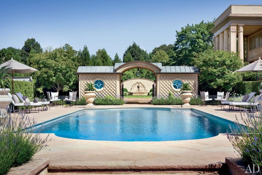 item8.rendition.slideshowWideHorizontal.camuto-villa-maria-03-pool-terrace