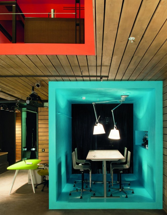 miss-design.com-interior-design-workplace-workspace-office-showroom-3
