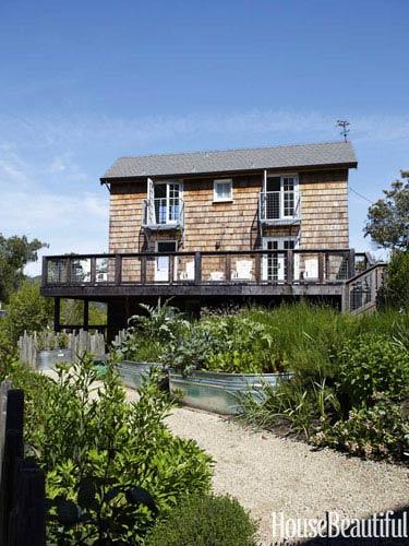 galvanized-metal-juliet-balconies-deck-cottage-garden-0712dempster11-lgn