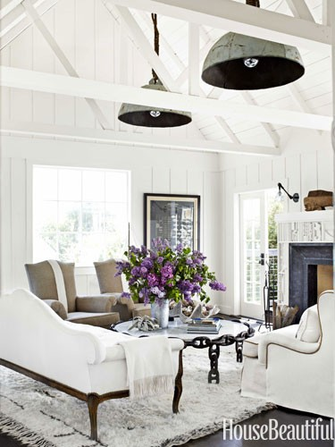 hanging-buoy-lights-white-arched-ceiling-living-room-0712-dempster02-lgn