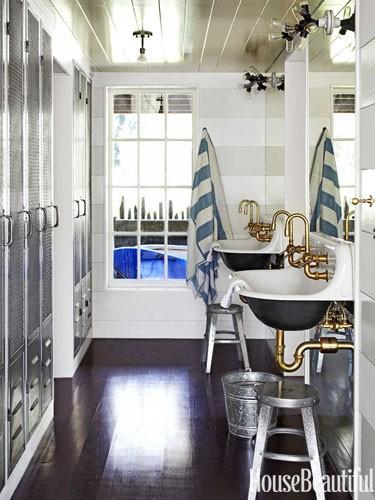 nautical-sinks-metal-lockers-bathroom-0712-dempster14-lgn
