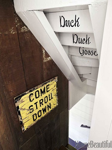 vintage-sign-cottage-stairwell-0712-dempster13-lgn