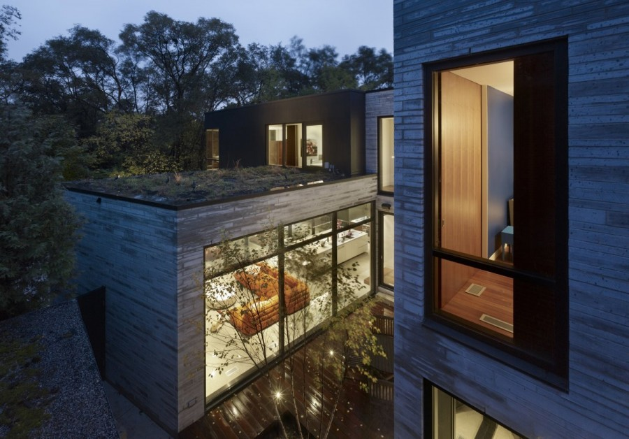 Enchanting-Cedarvale-Ravine-House-by-Drew-Mandel-Architects-2
