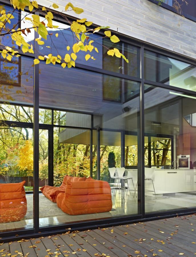 Enchanting-Cedarvale-Ravine-House-by-Drew-Mandel-Architects-4