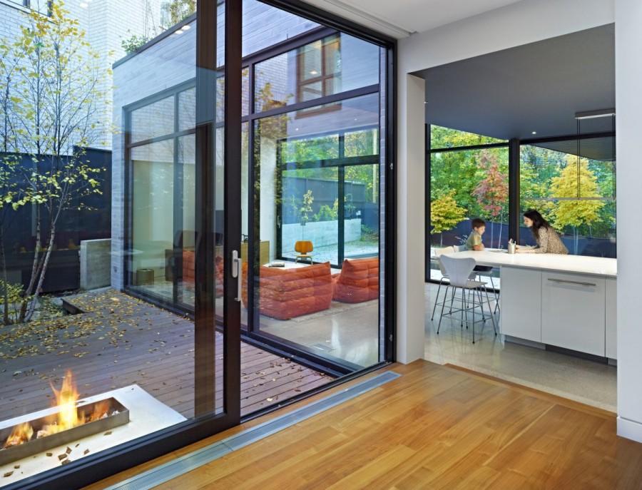 Enchanting-Cedarvale-Ravine-House-by-Drew-Mandel-Architects-8