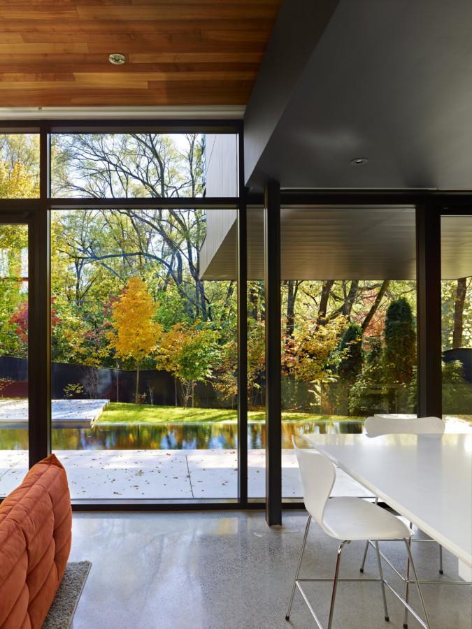 Enchanting-Cedarvale-Ravine-House-by-Drew-Mandel-Architects-9