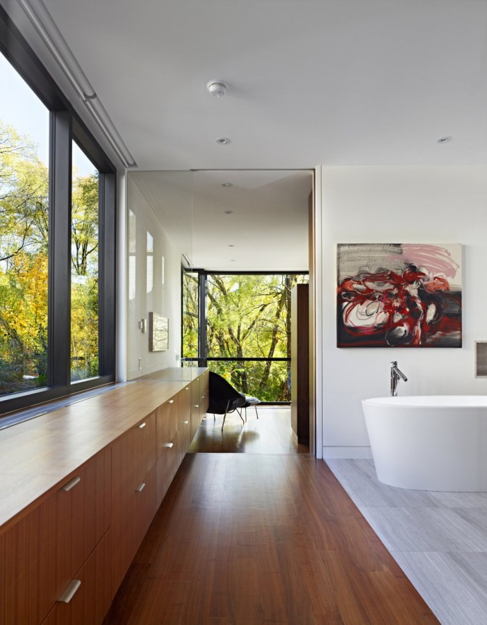 Enchanting-Cedarvale-Ravine-House-by-Drew-Mandel-Architects-13