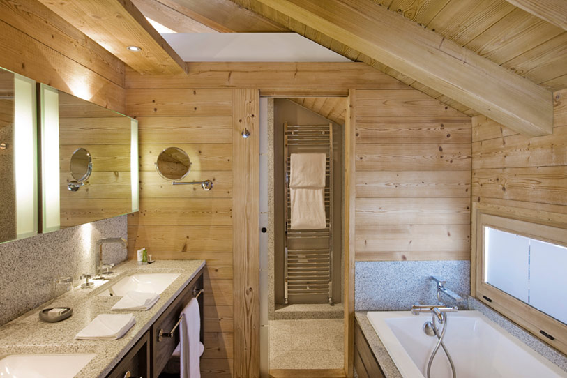 Bathroom-of-French-Chalet