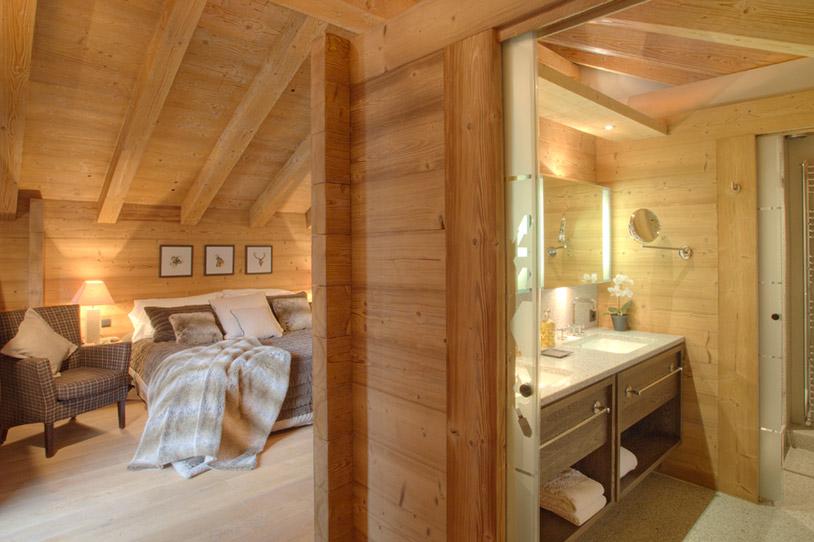 Plush-bedroom-of-Chalet-Emma