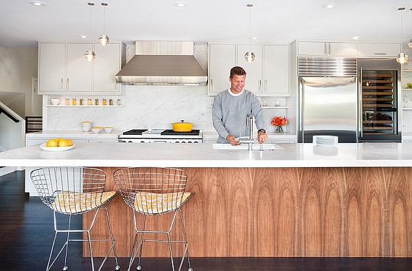 Bertoia-Bar-Stools-add-a-mid-century-modern-flavor-to-the-room