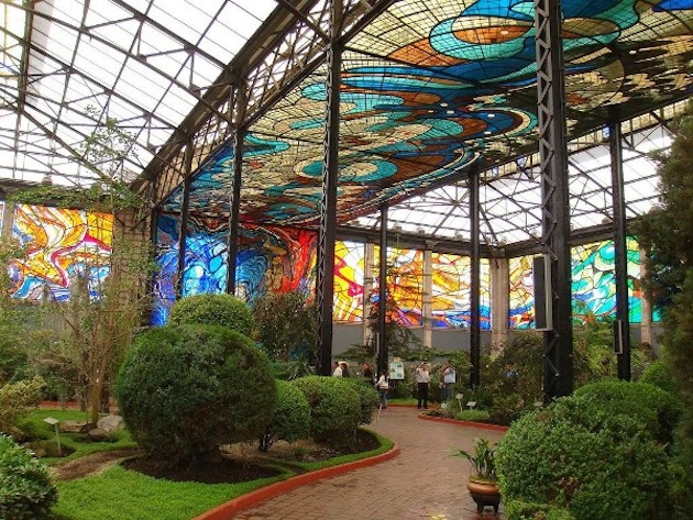 Stunning-Stained-Glass-Cosmovitral-Garden-1