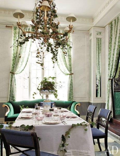 item3_rendition_slideshowWideVertical_emerald-rooms-04-jean-paul-beaujard
