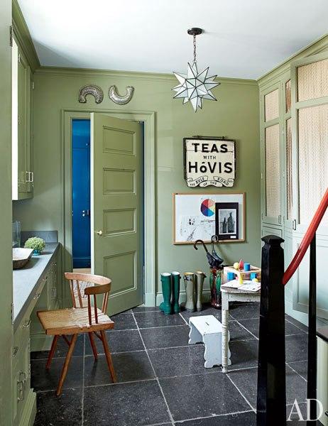 item13_rendition_slideshowWideVertical_emerald-rooms-14-miles-redd