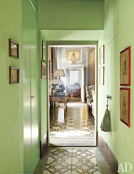 item17_rendition_slideshowWideVertical_emerald-rooms-18-pratesi-villa