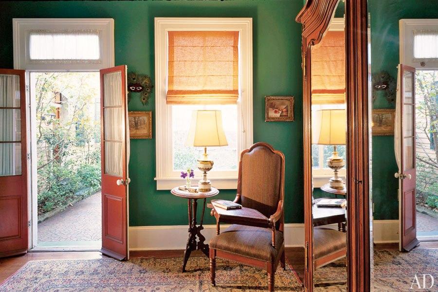 item18_size_0_0_emerald-rooms-19-helen-mirren