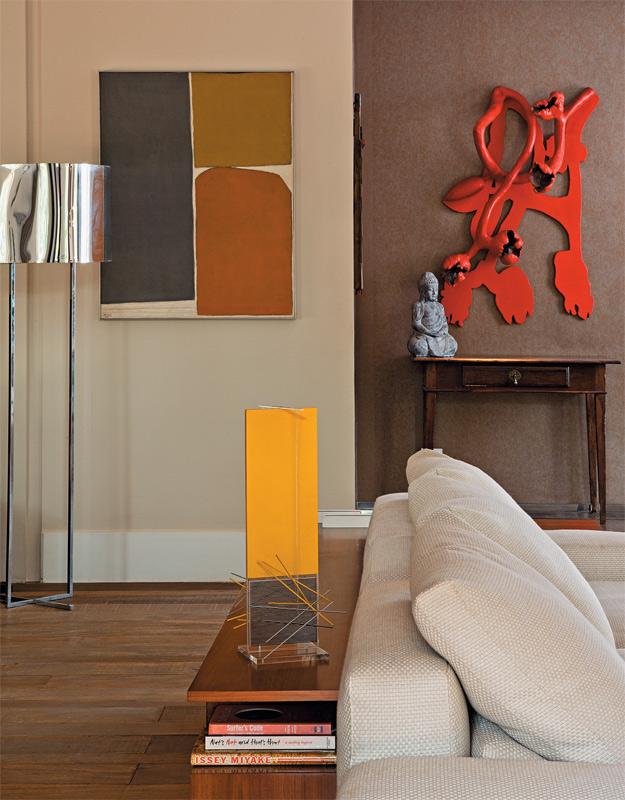 03-apartamento-decorado-obras-de-arte-brasileiras