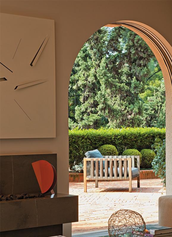 08-terraco-jardim-apartamento-decorado-obras-de-arte-brasileiras