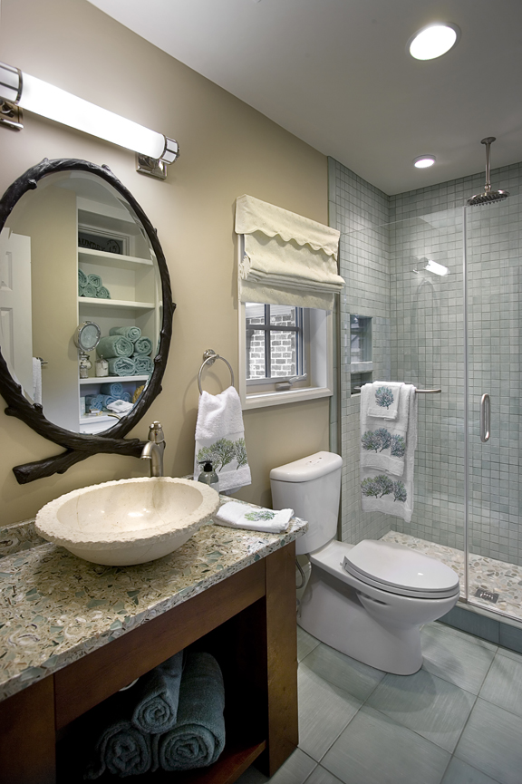 Leak-Guest-Bathroom_jpg_pagespeed_ce_BXrTZ6jvpb