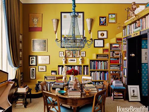 02-hbx-mustard-yellow-staircase-brockschmidt-0712-lgn
