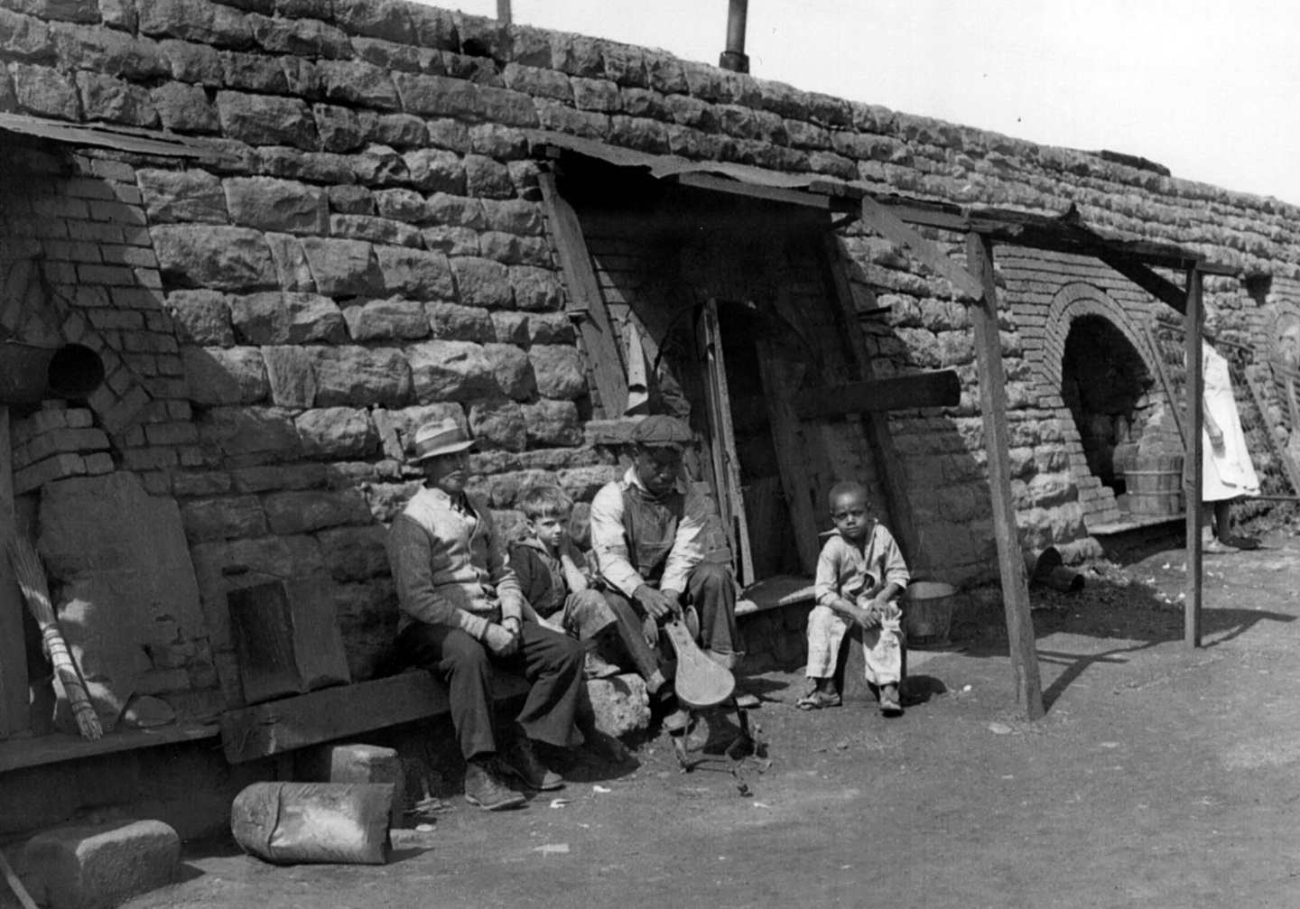 residents of abandoned coke ovens 1934