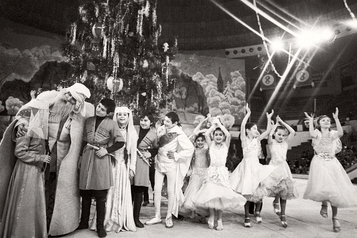 Новогодняя елка в Тбилиси.
