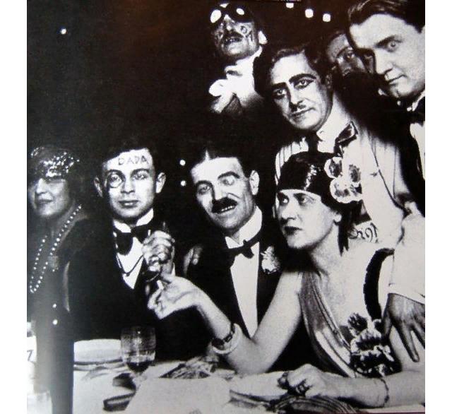 """Дадаисты в кафе """"Вольтер"""". Цюрих, начало 1910-ых"""