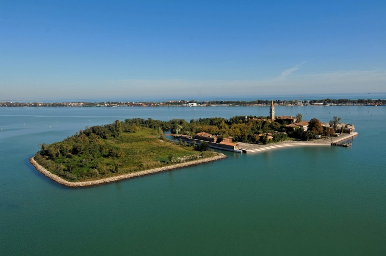 Панорама острова Повелья. Современная фотография.