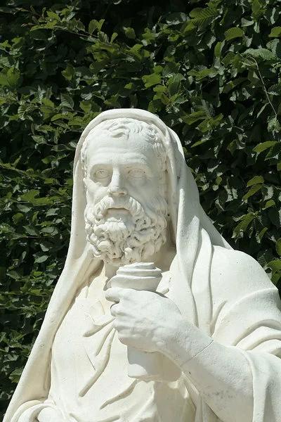 Жан Дедье. Статуя Лизия в Версальском парке,