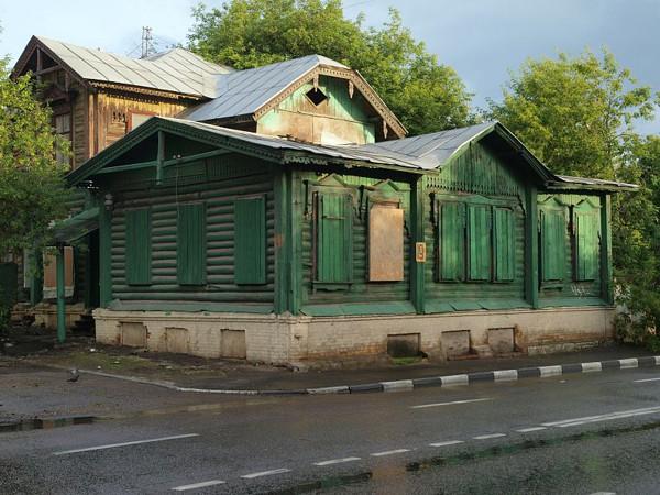 Дом завода Бари 2010