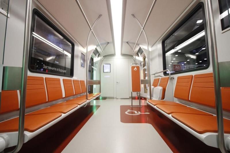 Петербуржцы оценили новые вагоны метро