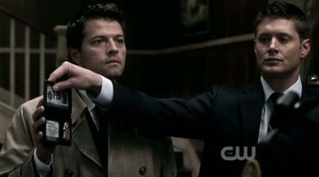 Dean n Cas play fbi