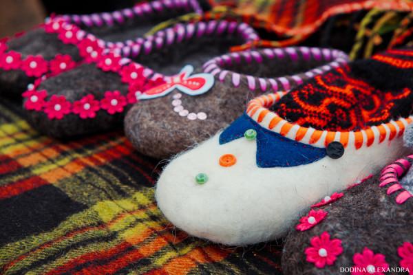Тапки-валенки на ярмарке в Лудорвае