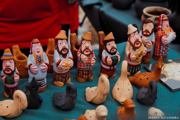Глиняные игрушки на ярмарке в Лудорвае