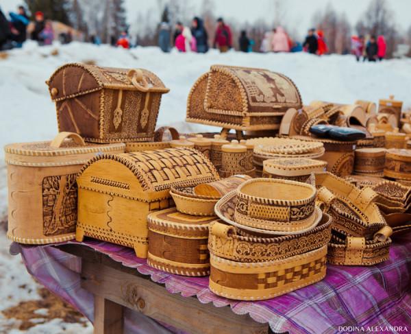 Поделки из бересты на ярмарке в Лудорвае