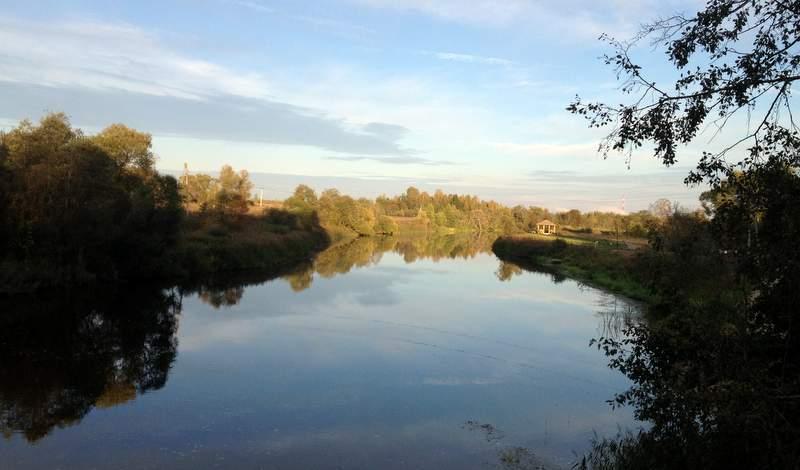 Река Дубна течёт с востока