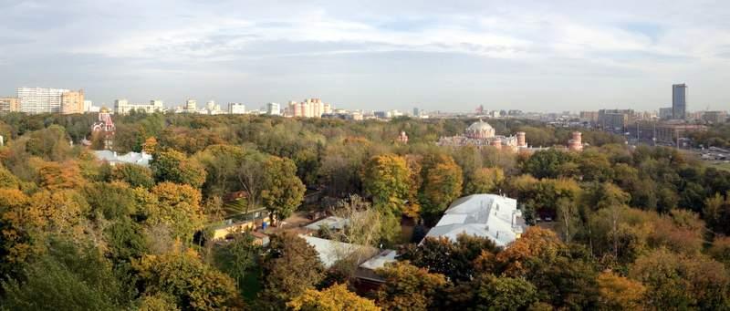 Панорама Петровского парка, склеенная с помощью AutoStitch (фрагмент)